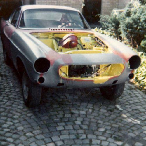 08 1975 sommaren. Volvo P 1800 med ny front